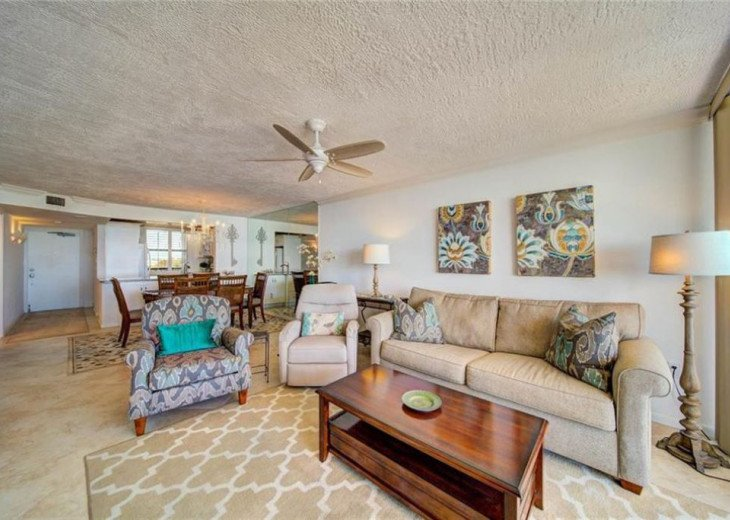"""Steps away from paradise """"Island Crest"""" Oceanview Condo #22"""