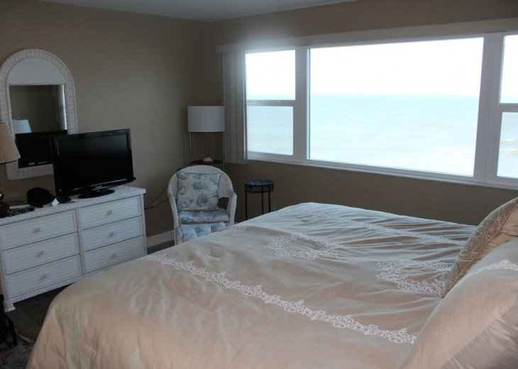 Oceanfront Beautiful Condo! Stunning View with heated pool on the Ocean! #16
