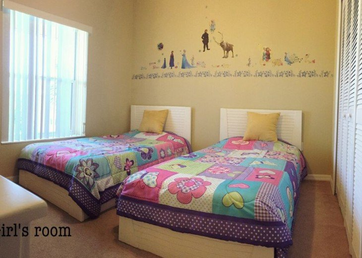 The 3rd bedroom with two single beds