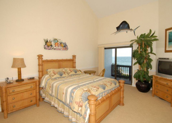 2nd Ocean facing bedroom