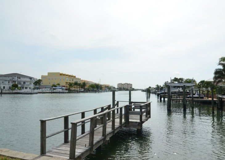 Luxury Bay Waterfront: 3 Bds/3 bth, 2116 square feet, 300 yards from the beach. #16