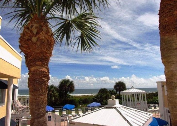 SPECIAL $79.00 PER NIGHT Relax in this 1B/1B Overlooking Pool & Ocean (RM1206) #1