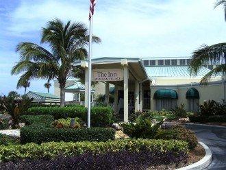 Sesaonal Restaurant by Main Pool
