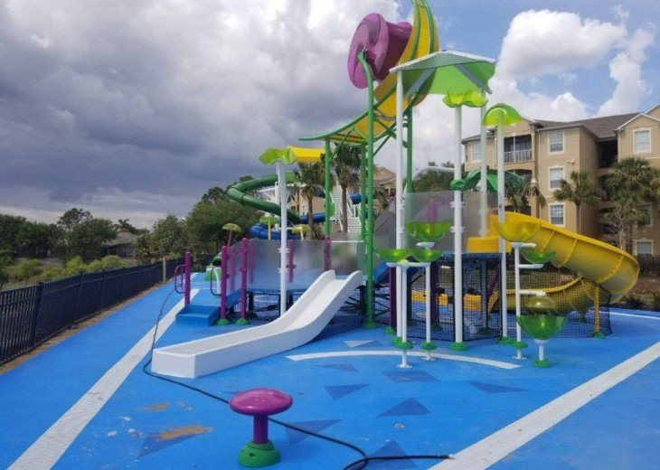 End of the year special--New Waterpark-Windsor Hill Luxury 6B/4B/Pool house #43