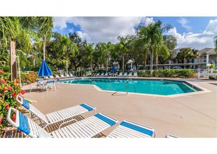 TWELVE OAKS 1st Floor Condo Lely Resort #17