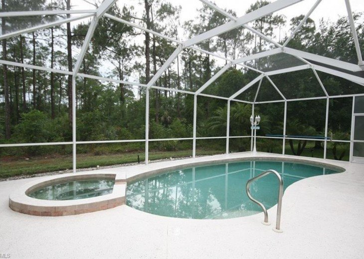 Maple Wood Single Family Pool Home #12