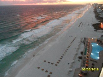 The Beach at Treasure Island from 1701 balcony.