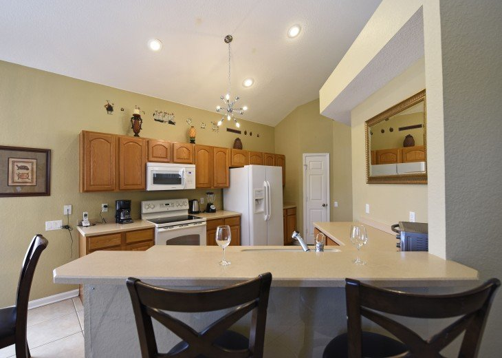 2 Miles to Disney World. 6 BR with Private Pool & Spa. Fireworks Views #13