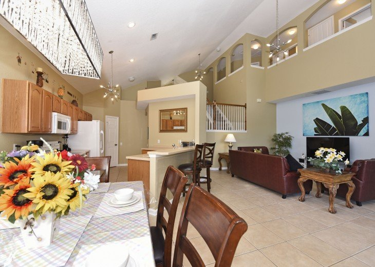 2 Miles to Disney World. 6 BR with Private Pool & Spa. Fireworks Views #9
