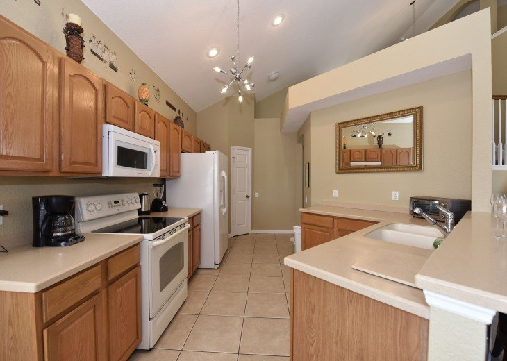2 Miles to Disney World. 6 BR with Private Pool & Spa. Fireworks Views #12
