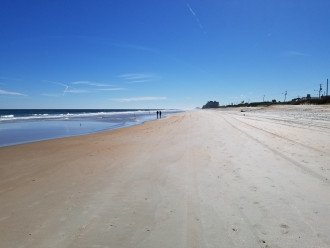 Ocean Beach at Low Tide Walking South